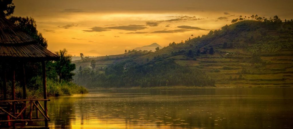 6 Days Gorillas & Lake Bunyonyi Special